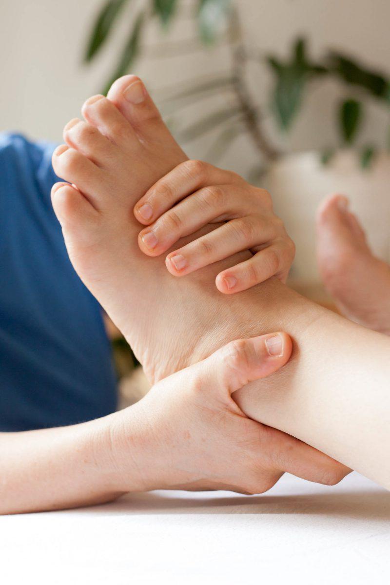 Bewegliche Füße – Standfestigkeit im Alltag